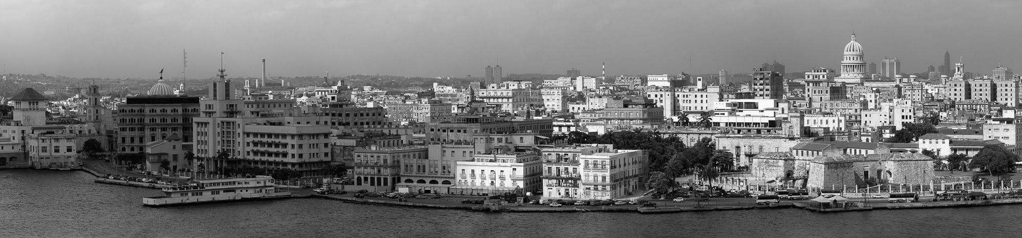 Malecon-Havana-Cityscape-panorama-black-and-white-fine-art.jpg