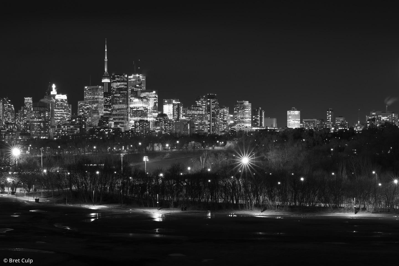 Toronto-skyline-Riverdale-Park-panorama-black-and-white