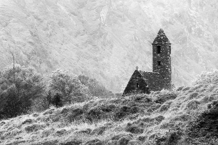 Glendalough-Church-Ruins-Mountains-Landscape-Wicklow-Ireland-panorama-black-and-white-fine-art_v2.jpg
