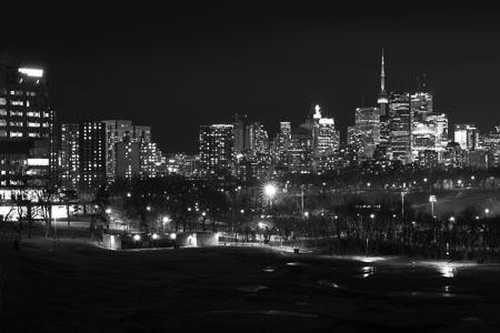 Toronto-skyline-Riverdale-Park-panorama-black-and-white_v1.jpg